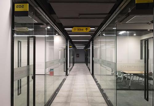 資深設計師分享的深圳辦公樓裝修設計技巧